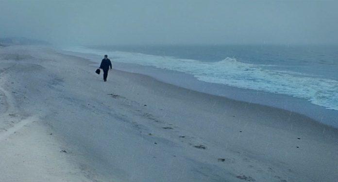 14 Striking Stills from Eternal Sunshine of the Spotless Mind (2004)
